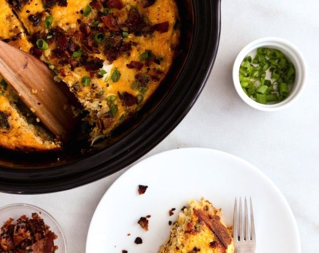 slow cooker bacon, egg and hash brown casserole