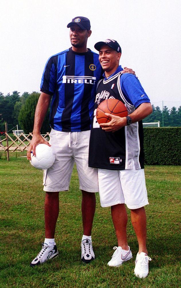 Tim Duncan and Ronaldo, 1999/2000.