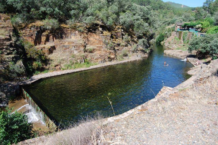 Deliciosa Piscina Natural en el Río Ladrillar, en Las Mestas, Hurdes.