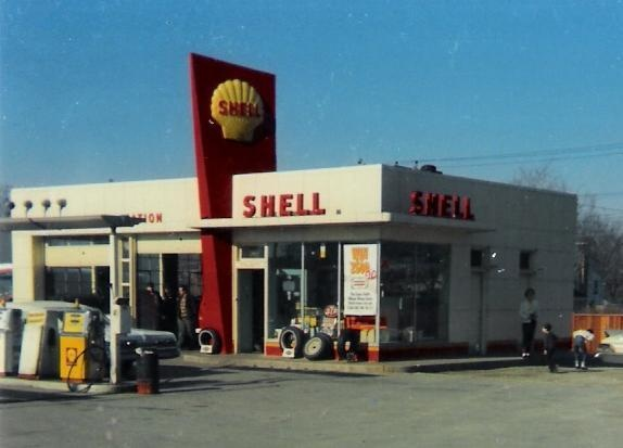 "Full service: They pumped your gas for you, washed your windshield, and checked your oil. Every time. And when you pulled up to the pump you could hear the bells go ""Ding-Ding""."