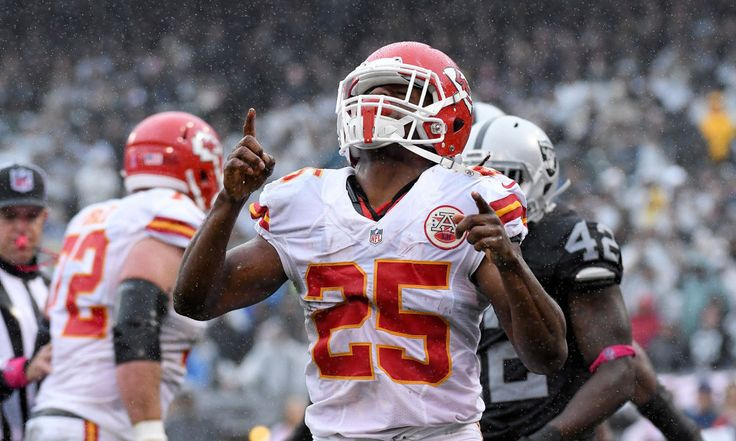 Jamaal Charles to Broncos would be great fit for both sides = Jamaal Charles' name has never held less weight than it has since he was finally released from the Kansas City Chiefs. There is no running from the reality of his situation — he's sitting openly in the free agent market in May. That's often the case for a 30-year-old running back coming off…..