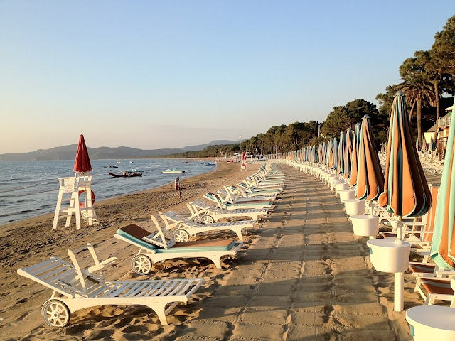 Puntala (Grosseto). Maremma Toscana. La spiaggia verso il tramonto.