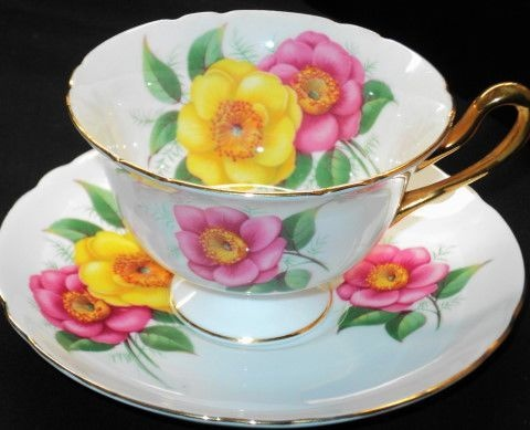 Shelley Gains Yellow Pink Tea cup and saucer Teacup♥