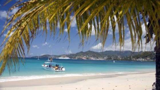 """""""Ein perfekter Mix: Traumstrände, Unterwasserwelten, Sehenswürdigkeiten. Die Inseln der Kleinen und Großen Antillen auf einen Blick."""" - See more at: http://www.bild.de/reise/traumreisen/karibik/traumurlaub-guenstig-karibik-guide-clever-reisen-33090234.bild.html"""