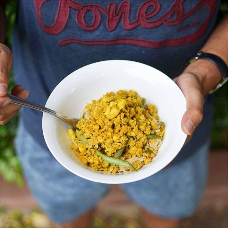Youfoodz | Balinese Chicken & Cashew Noodles $9.95 |  #Youfoodz #PlateUp #Lunch #Dinner