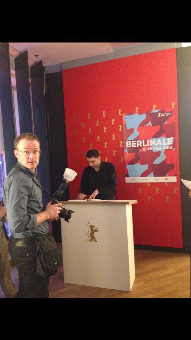 Ο Γιάννης Οικονομίδης υπογράφει στο βιβλίο της Berlinale 2014