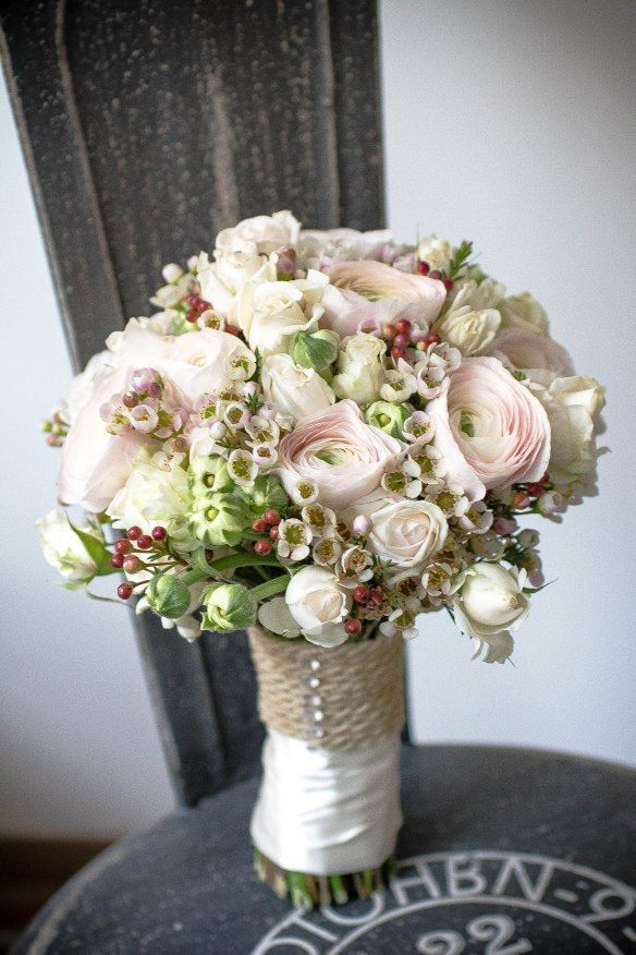 Brautstrauss Des Monats Januar Ranunkel Rosen Wachsblume Rosa Weiss Weiss Pastell Blumenstrauss Hochzeit Brautstrauss Brautstrausse