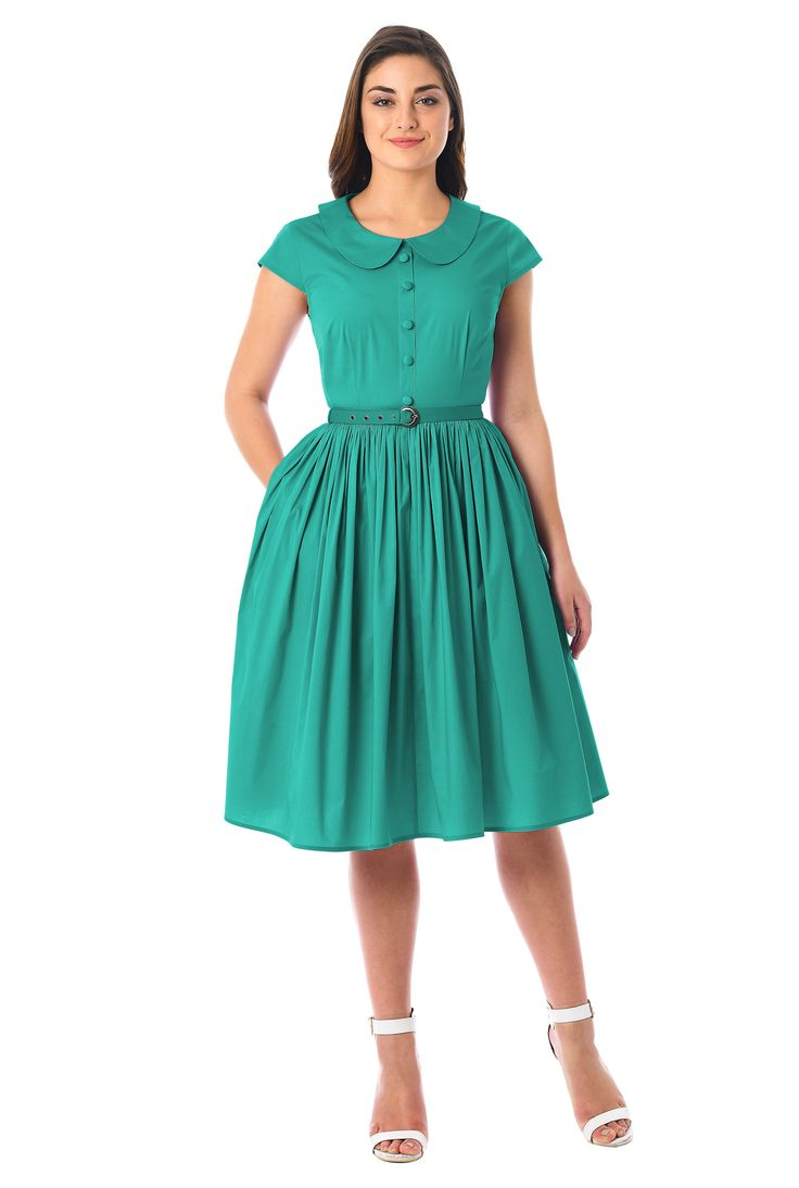 Our polished fit-and-flare dress in crisp cotton poplin gets an air of retro throwback from a prim Peter Pan collar and a ruched pleat full skirt.
