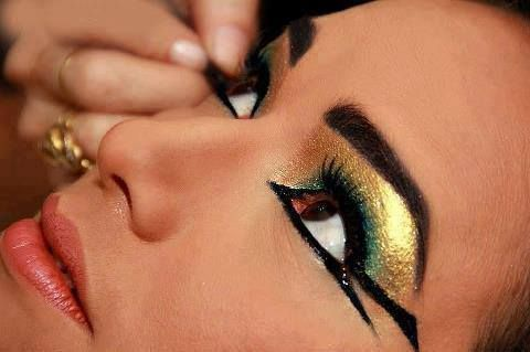 Egyptian make up