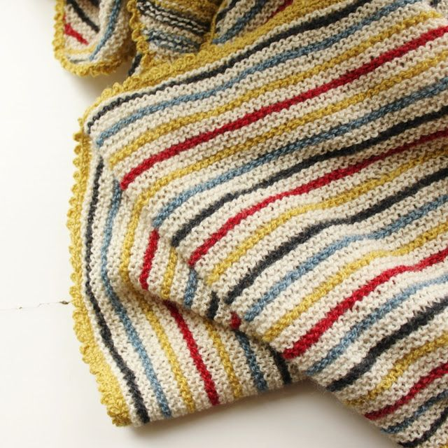 Knitted blanket made by tusindfryd - NO pattern. So easy and so pretty - Inspiration