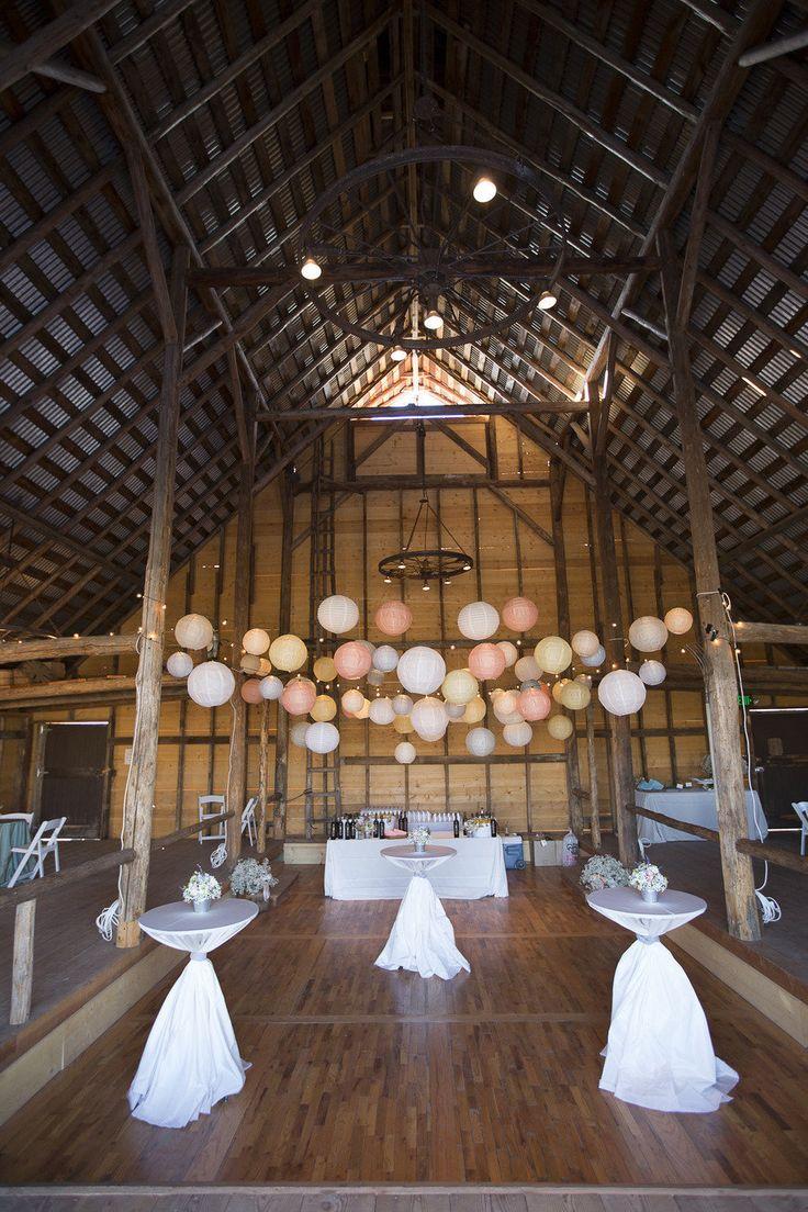 Sweet And Rustic Idaho Wedding Photographer Sara K Byrne Photography Venue Hidden Springs Barn Floral Designer Edwards Gr