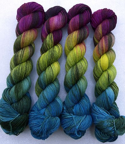 I made a really inappropriate noise when I saw this: Ravelry: Socknrolla handgefärbte Sockenwolle