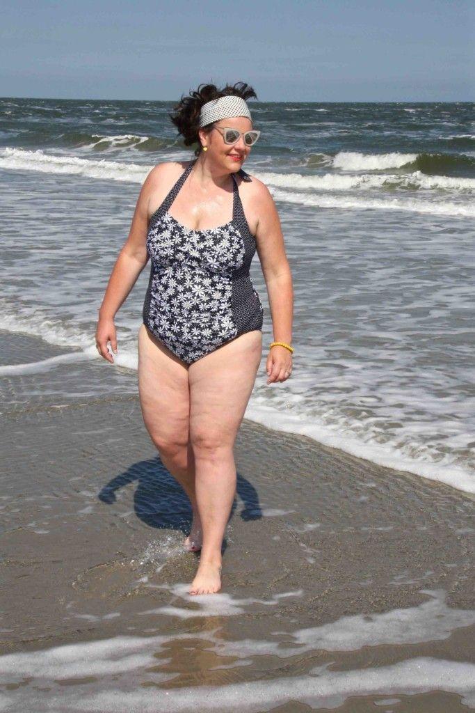 Paprika, badpak, grote maten, op het strand, beach wear