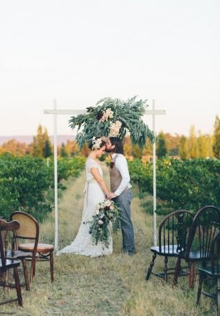 Image 12 - A vineyard escape in Styled Shoots.