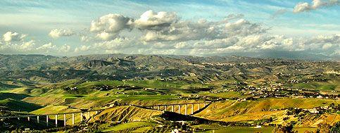 Panoramic view #valledelbelice #terresicane #stradedelvino #settesoli #sicily #travellers #enoturismo #viaggioinsicilia