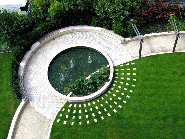 садовый пруд- фонтан