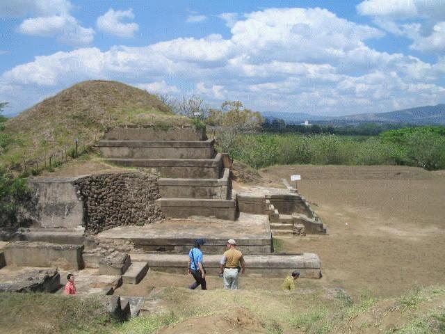 "SAN ANDRES (EL SALVADOR) Go CentroAmerica organizza viaggi tra i fantastici siti archeologici dei Maya. Potrai visitare queste emozionanti rovine grazie a Tour2000: ""Esplorando El Salvador"""