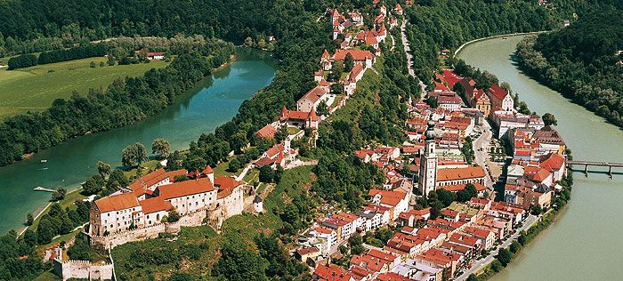 Bild: Luftaufnahme der Burg