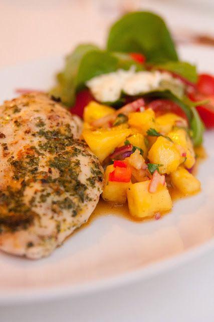 Gourmetmorsan: Gremolatapanerad kyckling med ananassalsa!