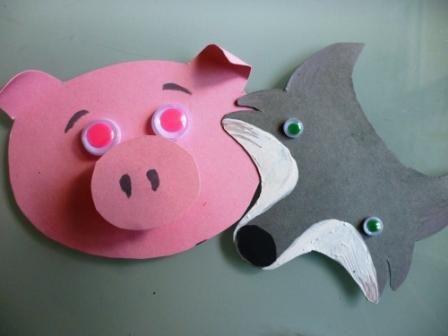Créez des marionnettes avec de simples rouleaux de papier toilette.Découvrez d'autres ateliers pratiques et ludiques à faire avec votre enfant.