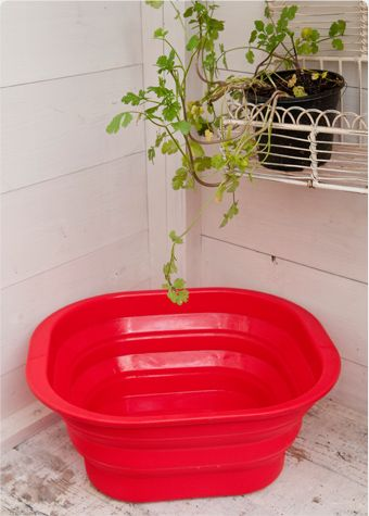 [collapsible washing up bowl, by the Glamping Company]