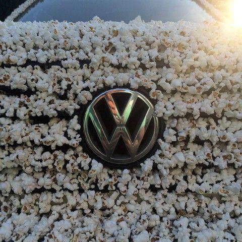 Ide Modifikasi yang tak biasa, Sekujur Tubuh VW Golf Lawas ini Berbalut Popcorn.  #mobilwow