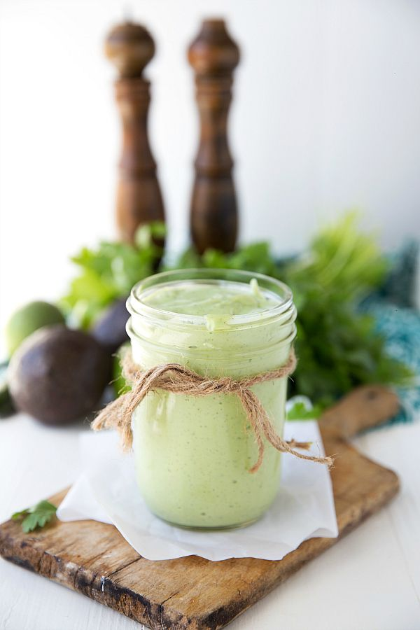 My take on the cafe rio creamy tomatillo dressing (BUT HEALTHY!), acollection of the very BEST blender dressings,and a Blendtec Giveaway! I've shared this dressing here before when I shared this ...