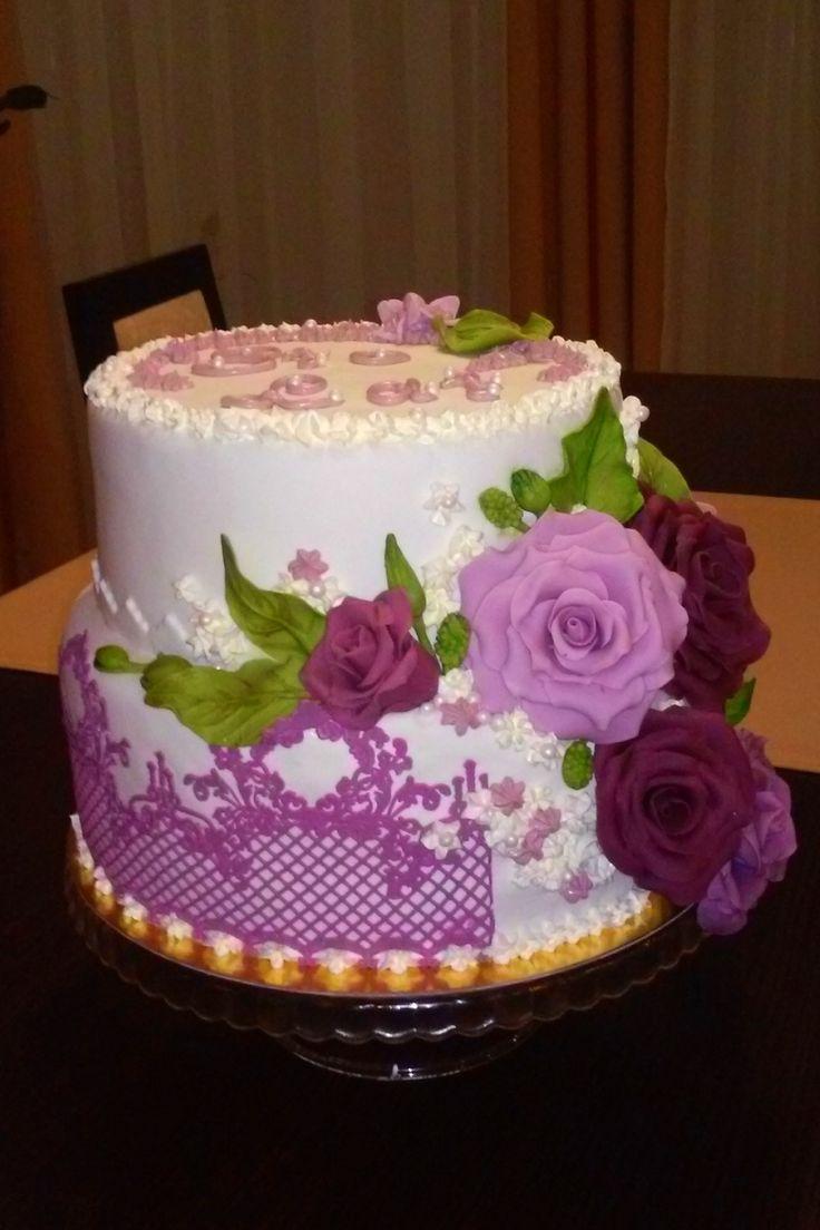 tort kwiaty i koronka