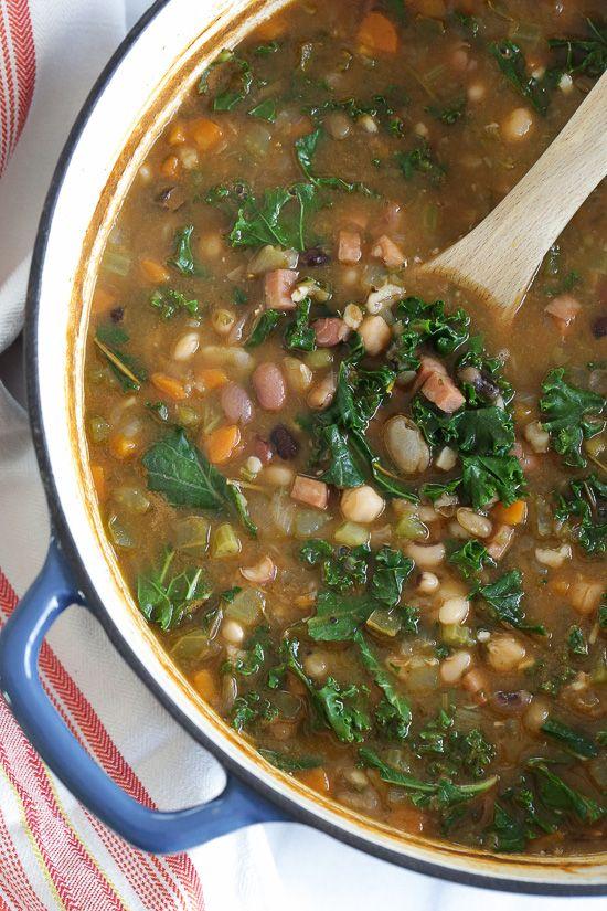 16 Bean Soup with Ham and Kale | Skinnytaste.com | Bloglovin'