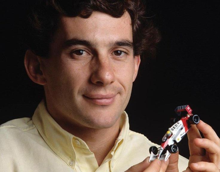O piloto Ayrton Senna completaria 53 anos nesta quinta-feira - http://glo.bo/102QwCe (Foto: Reprodução/Facebook/Instituto Ayrton Senna)