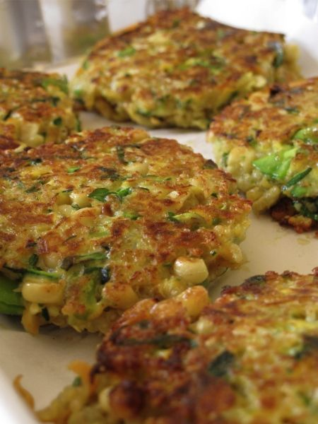 veggie quinoa cakes...uh YUM!  It's recipes like these that make me believe I could be a vegetarian...