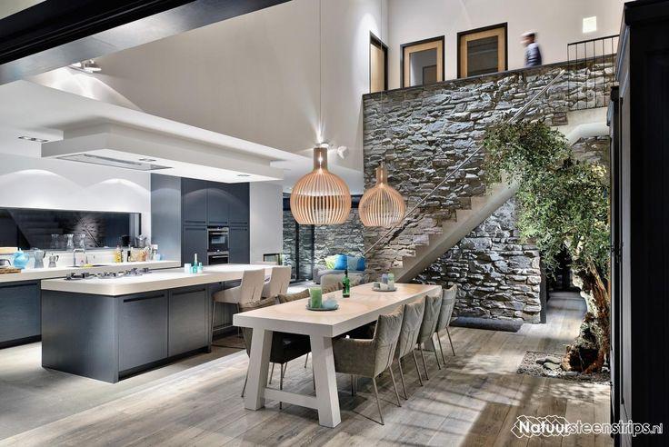 Stenen muur gebaseerd op Ibiza. Steenstrips Cascata GT. Keukenwand.