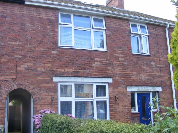 £145,0003 Bedroom Terraced House - Hart Lane, Luton, Bedfordshire, LU2 0JG Estate Agents