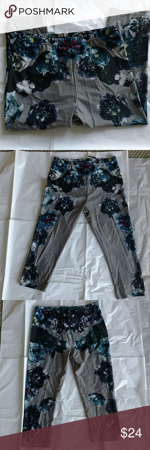 """AllSaints cropped leggings Sweat in style with these printed leggings from All saints. Good condition, worn less than 5 times 9.5"""" rise 16.5"""" inseam 25.5"""" waistband 12"""" leg opening All Saints Pants Leggings"""