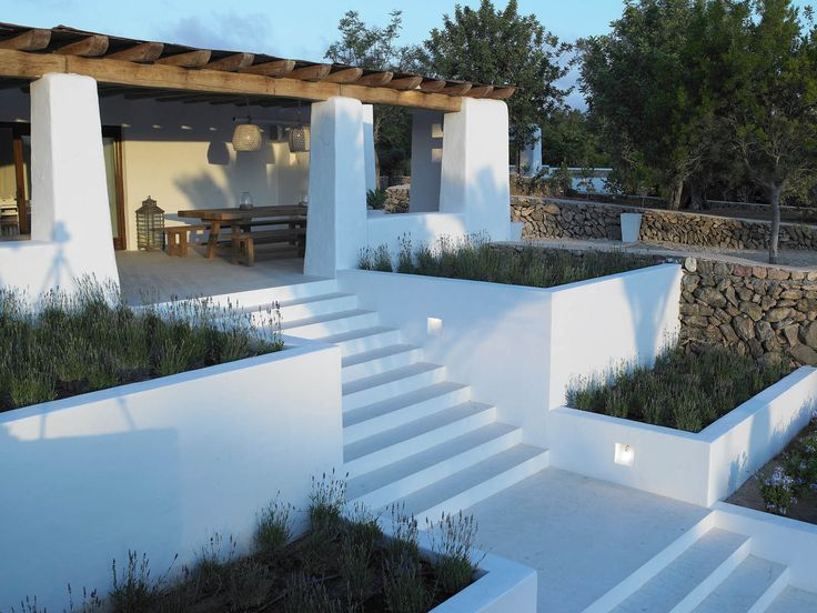Es canto just read more page as it is blakstadibiza for Amenagement jardin ibiza