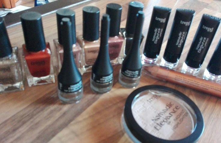 Herrliche Kosmetik und Make-up Artikel von Trenditup dürfte ich für DM-DROGERIEMARKT testen.
