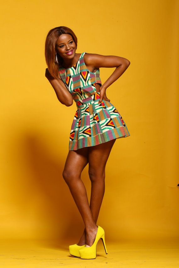 Africain inspiré robe de soirée courte avec côtés par Prelim