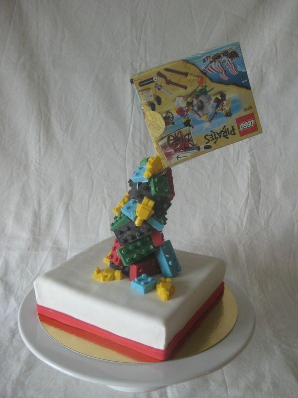 Gâteau Légo gravity cake