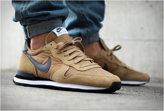 NOVO NIKE INTERNATIONALIST  Estamos adorando esta nova cor aplicada ao Nike Internationalist, um olhar inspirado no estilo retro de corrida.