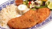 Filete de pescado frito empanizado