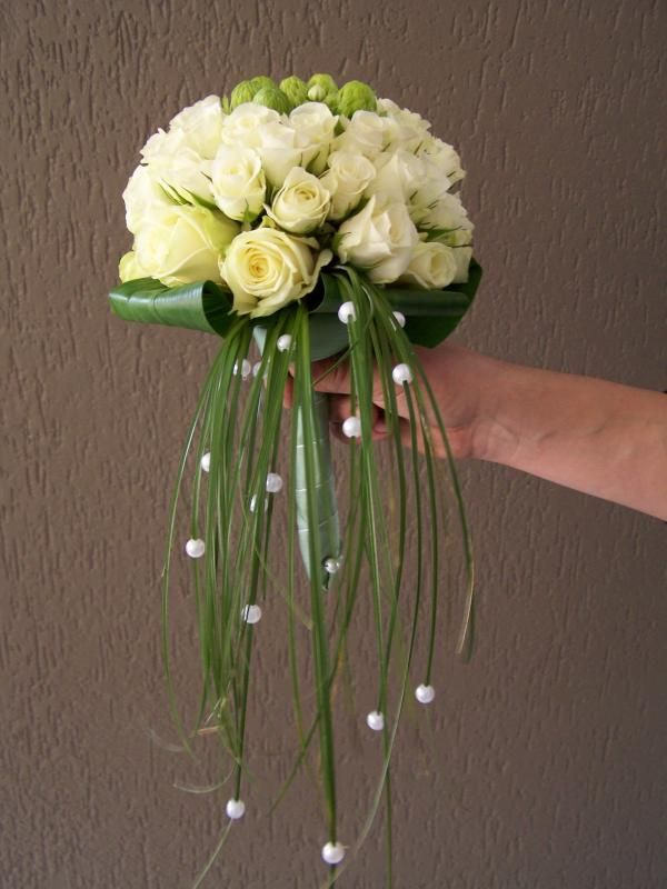 pretty bouquet with pearls on hanging grasses