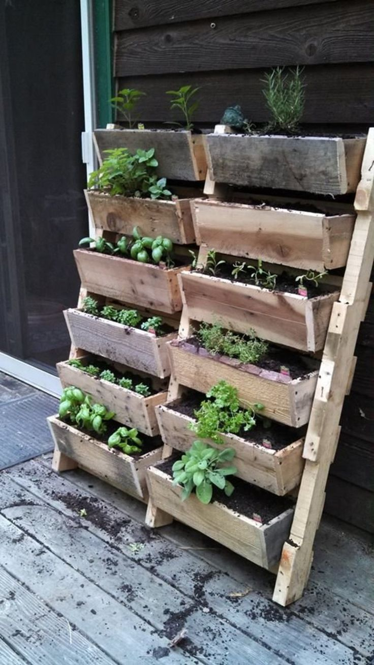 Diy herb garden made of pallets refresh your eyes and mind with pallet - Diy Projects Tapiture Pallet Herb Gardenspallet Gardeningpallets