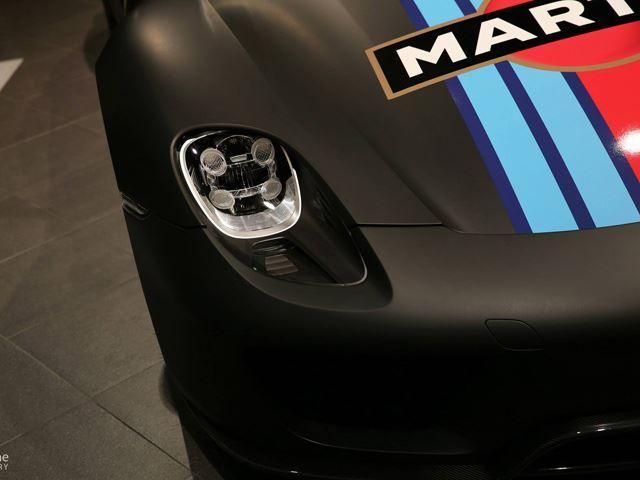 spectacular porsche 918 spyder wearing martini livery spotted in taiwan porsche martini racing. Black Bedroom Furniture Sets. Home Design Ideas