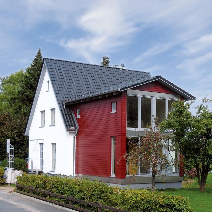 Fassadengestaltung einfamilienhaus schwarzes dach  Die besten 25+ Rotes dach Ideen nur auf Pinterest ...