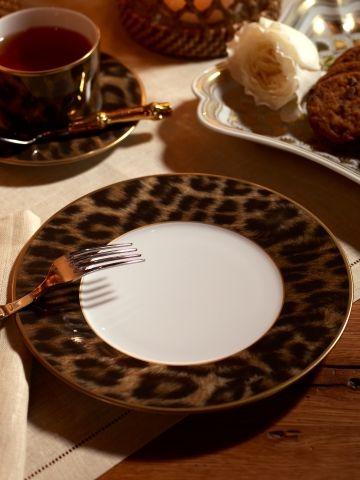 $40 Hutchinson Dessert Plate - Ralph Lauren Home Dinnerware - RalphLauren.com & 159 best DISHES images on Pinterest | Dish sets Porcelain and Kitchens