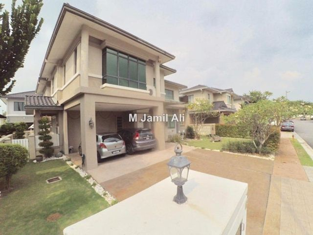 Bungalow House for Sale in Shah Alam, Selangor for RM 2,600,000 by M Jamil Ali. 4,000 sq. ft., 6-bed, 6-bathroom.