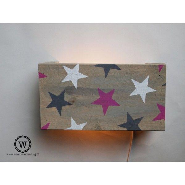 steigerhouten wandlamp met sterren stoer voor de babykamer of kinderkamer bijzonder met. Black Bedroom Furniture Sets. Home Design Ideas