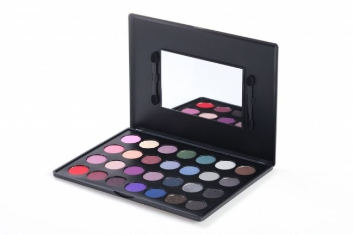 28 Color Smoky Eyeshadow Palette: Dramatic & Smokey Makeup by BH Cosmetics!