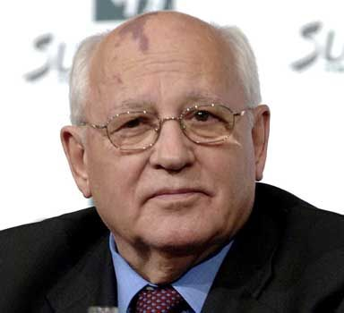 Mikhail Gorbachev denounces Russia new laws as attack on citizens rights