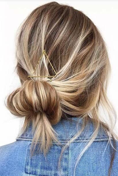Stylish Messy Bun Hairstyle Ideas,    Messy bun hairstyles may look quick and of…